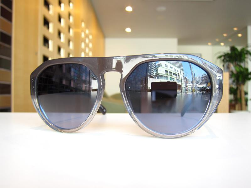 イタリア製OLIVER GOLDSMITHのサングラスの新色