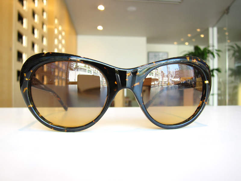 Oliver Goldsmith MAJESTY カラー:Speckle