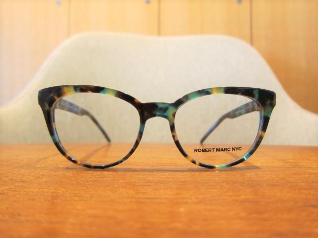 フェイスラインがリフトアップする?シュルエットのメガネ Series (ROBERTMARC NYC)